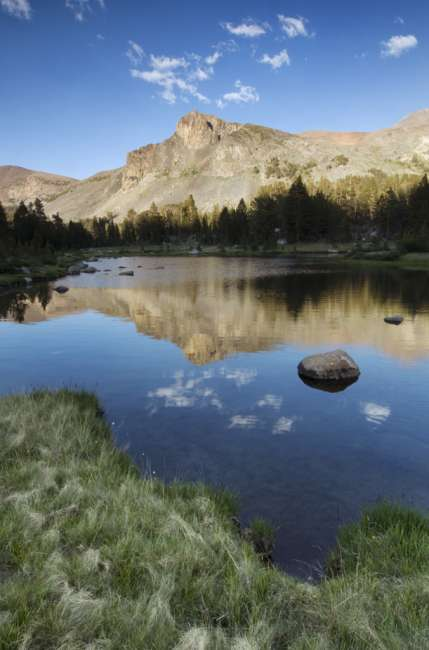 Lake along the road to Tuolumne Meadows, Yosemite National Park, California, USA